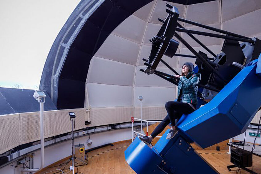 Verena Fürnkranz - student at observatory. Photo: © derknopfdrücker/University of Vienna
